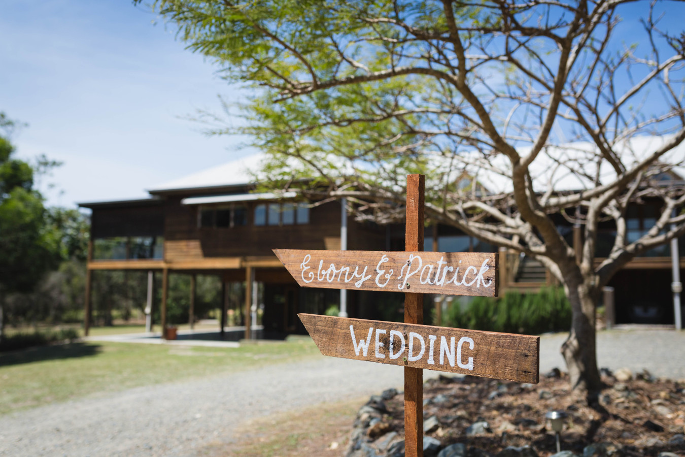 Wedding sign and house